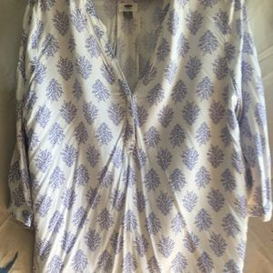 Old Navy~White and Blue 3/4 Sleeve Blouse~XL